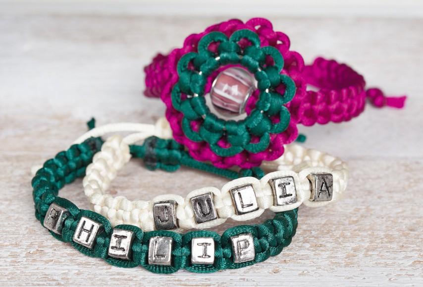 Relativ Anleitung: Makramee-Armbänder mit Buchstabenperlen | VBS Hobby RV75