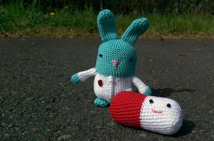 Häkeln mit RolisWollis › Amigurumi Häkel Anleitung für Hase Ruby | 461x700