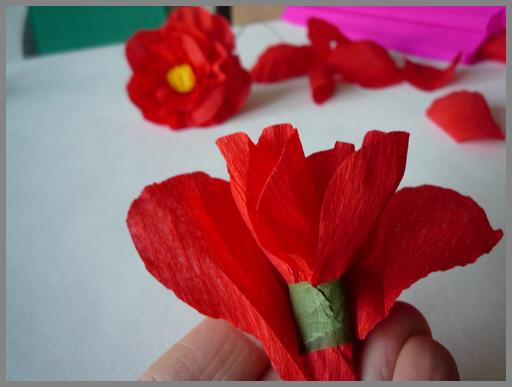 Papierblumen Basteln Anleitung Fur Verschiedene Papierbluten Vbs